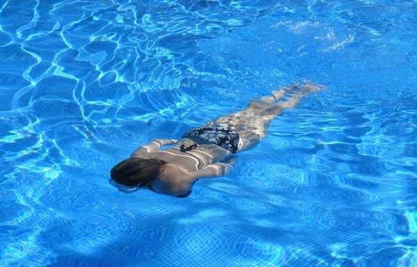 Água de piscina faz mal à saúde?
