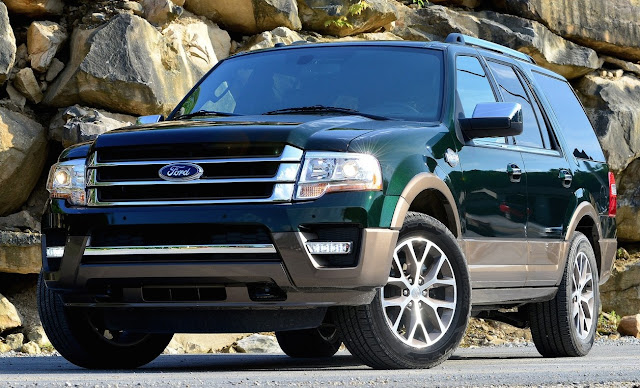 2015 Ford Expedition green