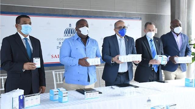 Salud Pública recibe quinta  donación  de medicamentos e insumos, vía el Gabinete de Política Social para abastecer hospitales