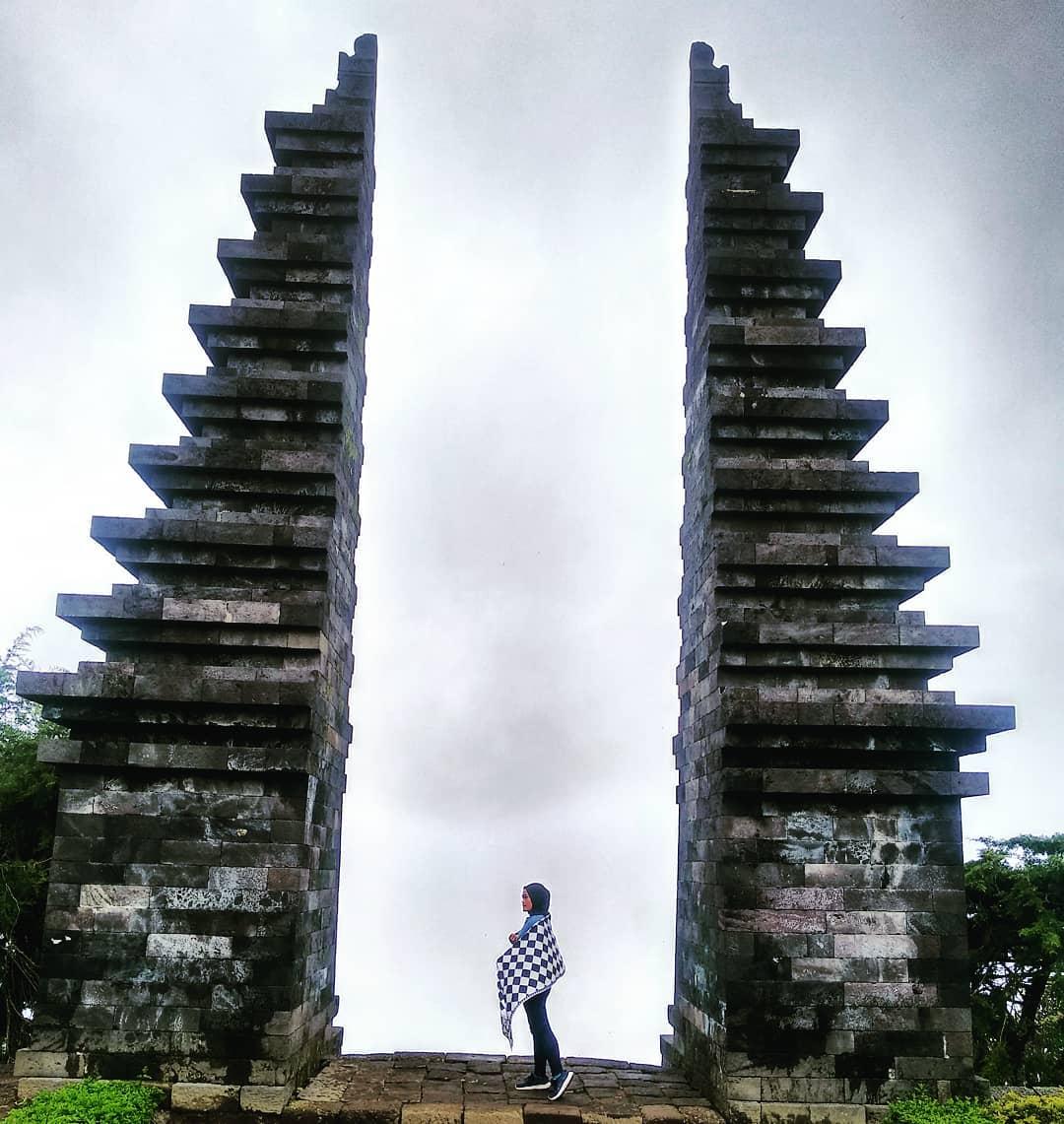 indahnya Candi Cetho , Candi di Jawa Tengah yang Berada di Atas Awan