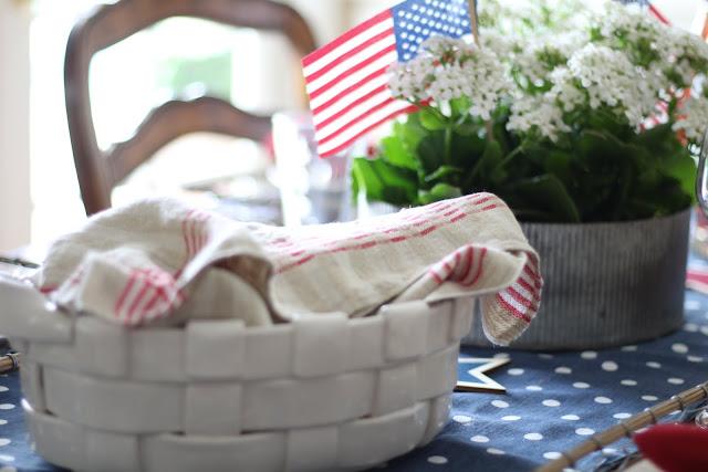 maison-de-cinq-patriotic-tablescape-5