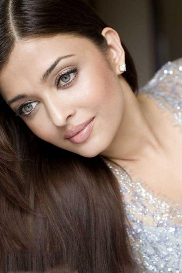 Aish Looks Like A Diva