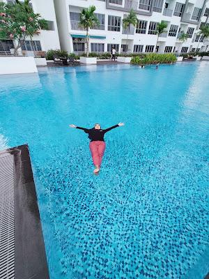 Kolam Renang Lovina Inn