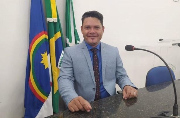 Vereador Autarquia solicita ao Governo de Pernambuco a doação do terreno onde funcionava a antiga cadeia no bairro Santo Antônio para a construção de uma praça