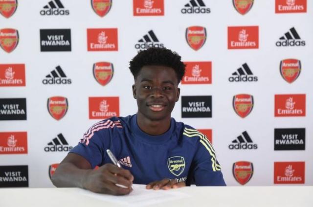 Arsenal Prodigy Saka To Make Decision Between Nigeria and England