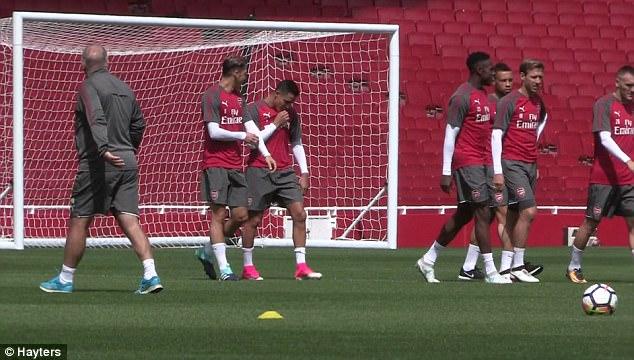Dấu hiệu chứng tỏ Sanchez ở lại Arsenal