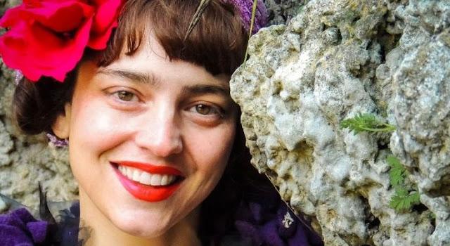 Δήμητρα Δερζέκου: Με φοβίζει το ότι έχουμε υποταχθεί