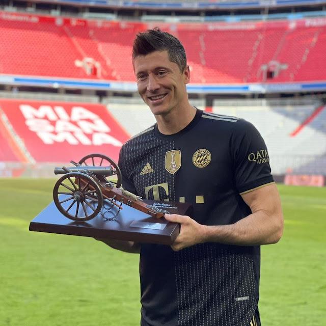 ليفاندوفسكى وجائزة الهداف 2022