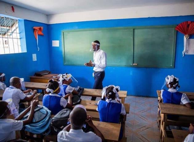Haití reabre las escuelas aplicando protocolos contra el COVID-19