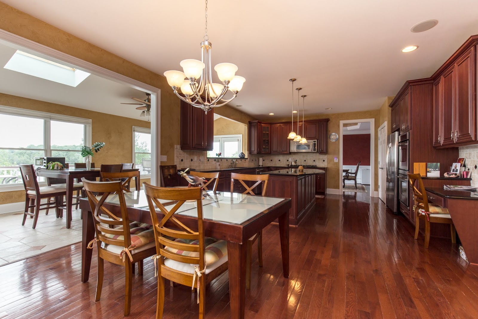 Interior kitchen real estate photographer Northville, Canton, Novi, Farmington Hills, Plymouth