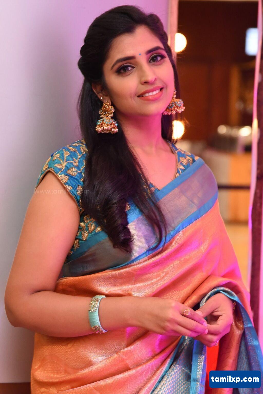 Anchor Syamala Designer saree stills