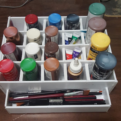 Craft / Acrylic Paint Tray / Organizer made from recycled Coroplast sheet plastic. Giving life back to plastic that would have otherwise gone to the landfill - Coroplast DIY - CoroplastCreations.com - HalifaxSportsPhotos.ca