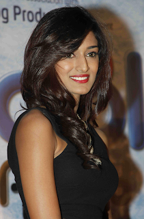 Most Popular Celebrities Erica Fernandes HD Wallpapers4.png