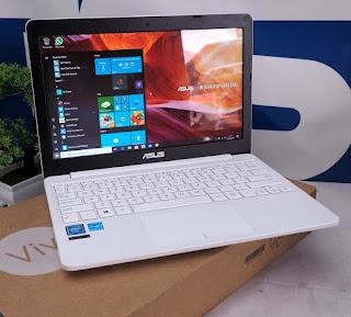 Jual Laptop Bekas Asus E203NAH Bekas