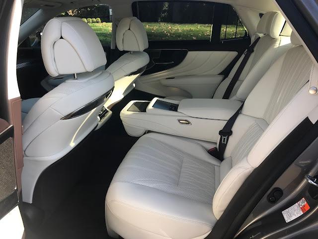 Rear seats in 2020 Lexus LS 500