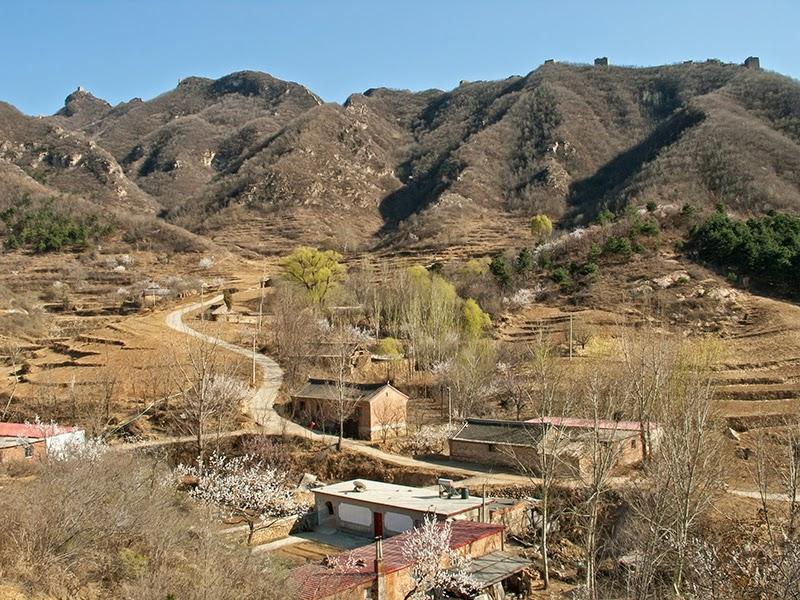 Le village de Dongpo au pied de la Grande Muraille à Simatai