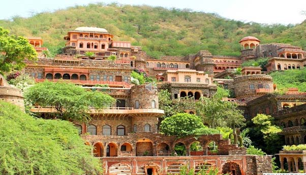 Neemrana Fort was initially constructed in 1464 but decayed in 1947 during the independence of India. However, the remains of fort were restored in 1986 and rebuilt in an eye-catching way, while maintaining its healthy cultural history. It was opened for the public in 1991 and is considered as the prettiest legacy of India.  Neemrana Fort is a multifaceted wing of 7 palaces constructed twelve levels up a hill, together with looming gardens, 2 ponds and the country's foremost zipwires.