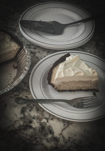 another fabulous no-bake dessert, white chocolate pudding gently flavored with coffee using Hazelnut International Delight in a chocolate cookie crust. Whether you are a coffee lover or not, you will love the velvety smoothness of this scrumptious pie.