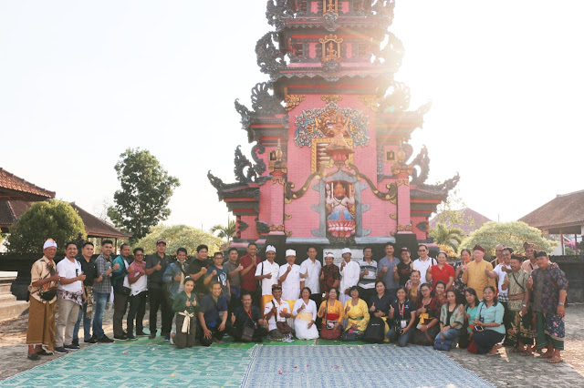 Kunjungi Pura Jagat Karana, Pemprov Komitmen Bantu Warga Hindu di Luar Bali