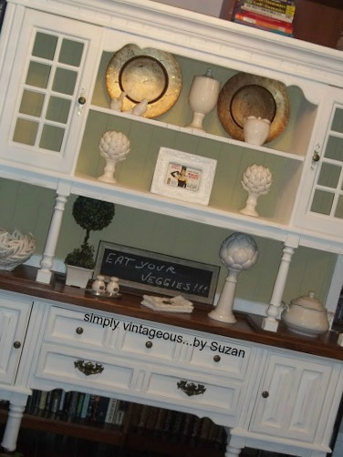 Annie Sloan chalk paint, pure white, versailles, painted hutch