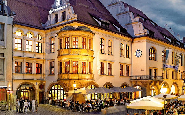 Fachada da cervejaria Hofbräuhaus em Munique