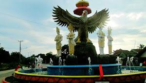 Makna Tugu Pengantin Adat Saibatin dan Pepadun, Di Pesawaran-Lampung