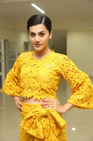 """Taapsee-Pannu""HD-Wallpaper"