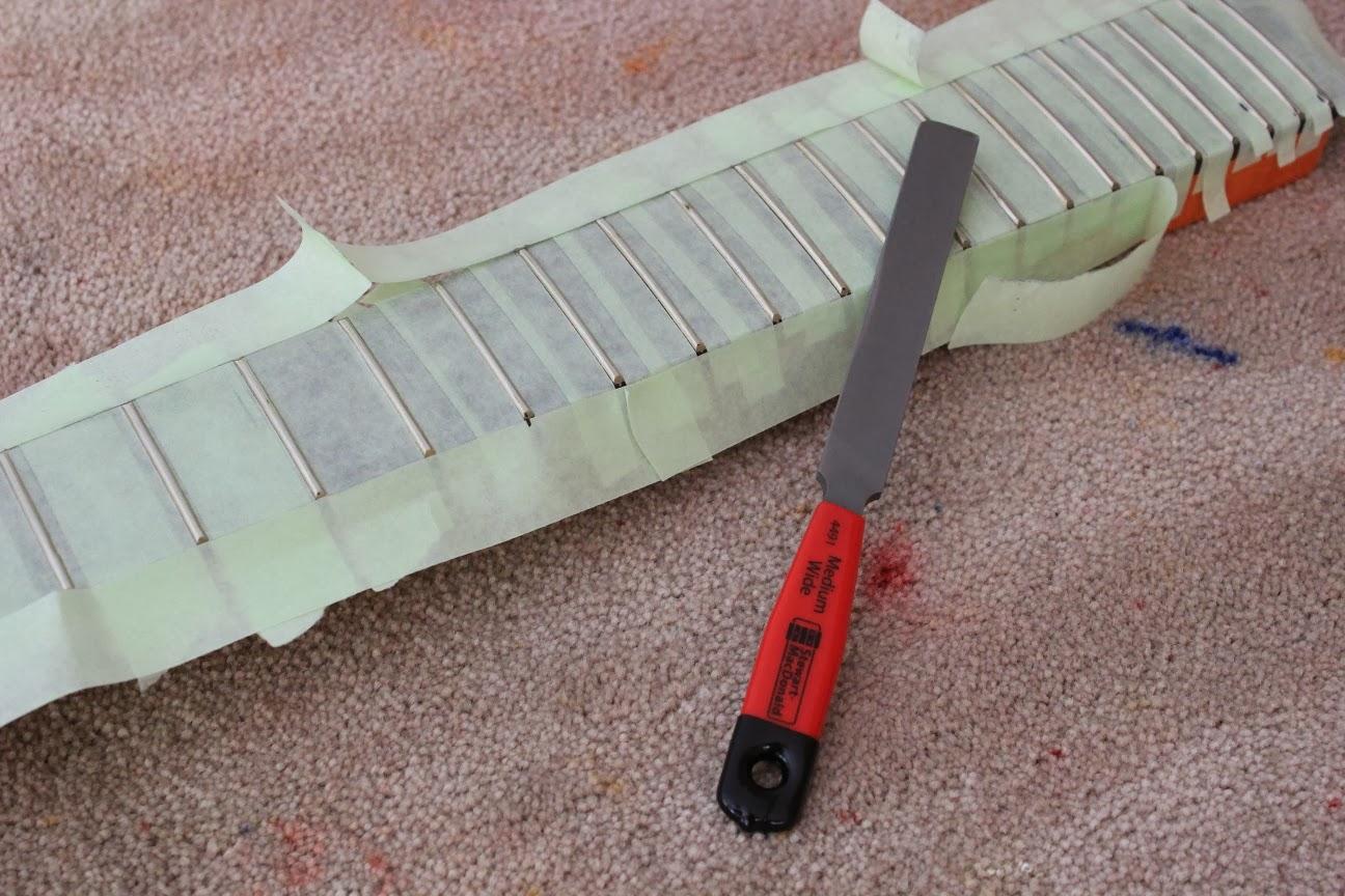 guitar kit builder les paul jnr double cut fret levelling redressing. Black Bedroom Furniture Sets. Home Design Ideas