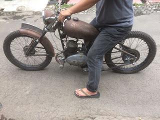 Pedagang motor klasik