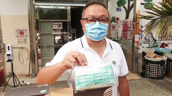 辜皇譯顧防疫團隊捐物資 守護彰化市里長與清潔隊員