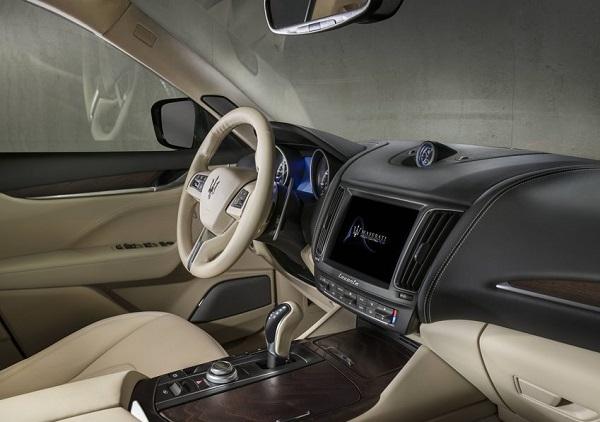 Interior Maserati Levante 2018