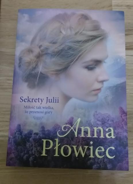 """Sekrety Julii"" Anna Płowiec"