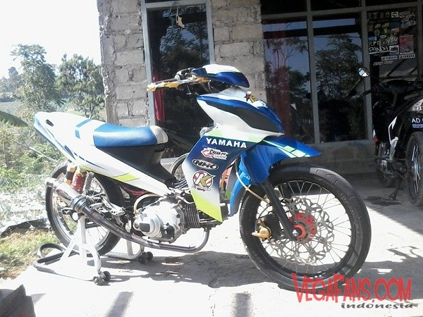 Vega ZR Modif Road Race Biru Putih