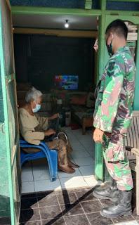 Kepedulian TNI Jepara Berikan Edukasi Dan Bagikan Masker Terhadap Lensia