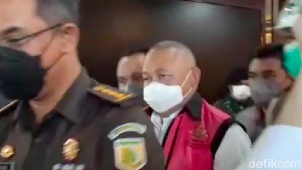 Pengacara Kecewa Alex Noerdin Ditahan: Dia Anggota DPR, Tak Mungkin Lari