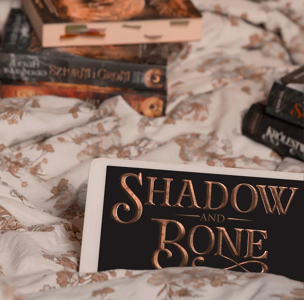 książki Leigh Bardugo shadow and bone seriale