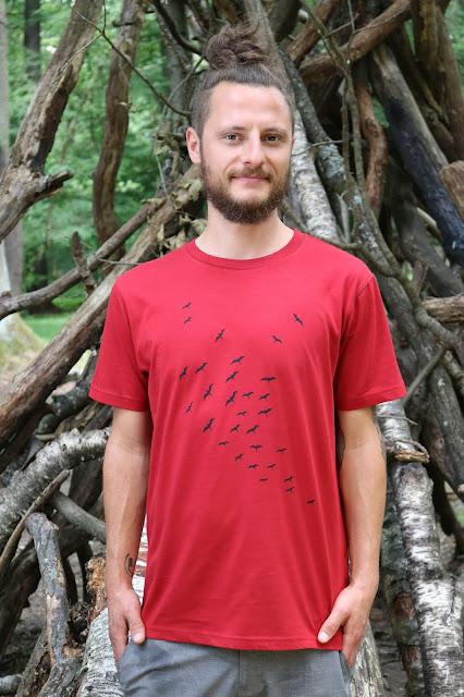 T-Shirt mit Vogelschwarm, Siebdruck