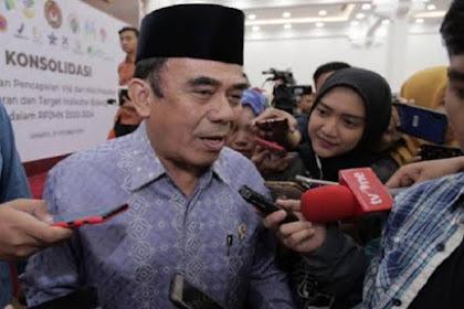 Menag Fachrul Razi Serukan Berdoa Pakai Bahasa Indonesia di Masjid