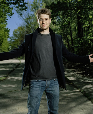 the oc benjamin ben mckenzie photoshoot model posing ryan atwood
