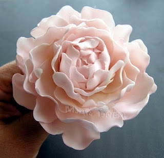 Sugar paste flower tutorial - Flower Tutorials Directory - Click through to view 30 Fabulous Flower Tutorials!