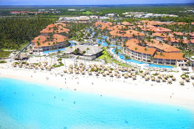 Majestic Elegance Punta Cana, in Playa Bávaro, is an incredible 5-star, all-inclusive resort surrounded by the most amazing landscapes, ideal for demanding customers looking for comfort and style while on vacation in the Caribbean.