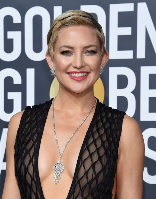 American Actress Kate Hudson Latest Hot Photos in Sexy Black Outfit Navel Queens