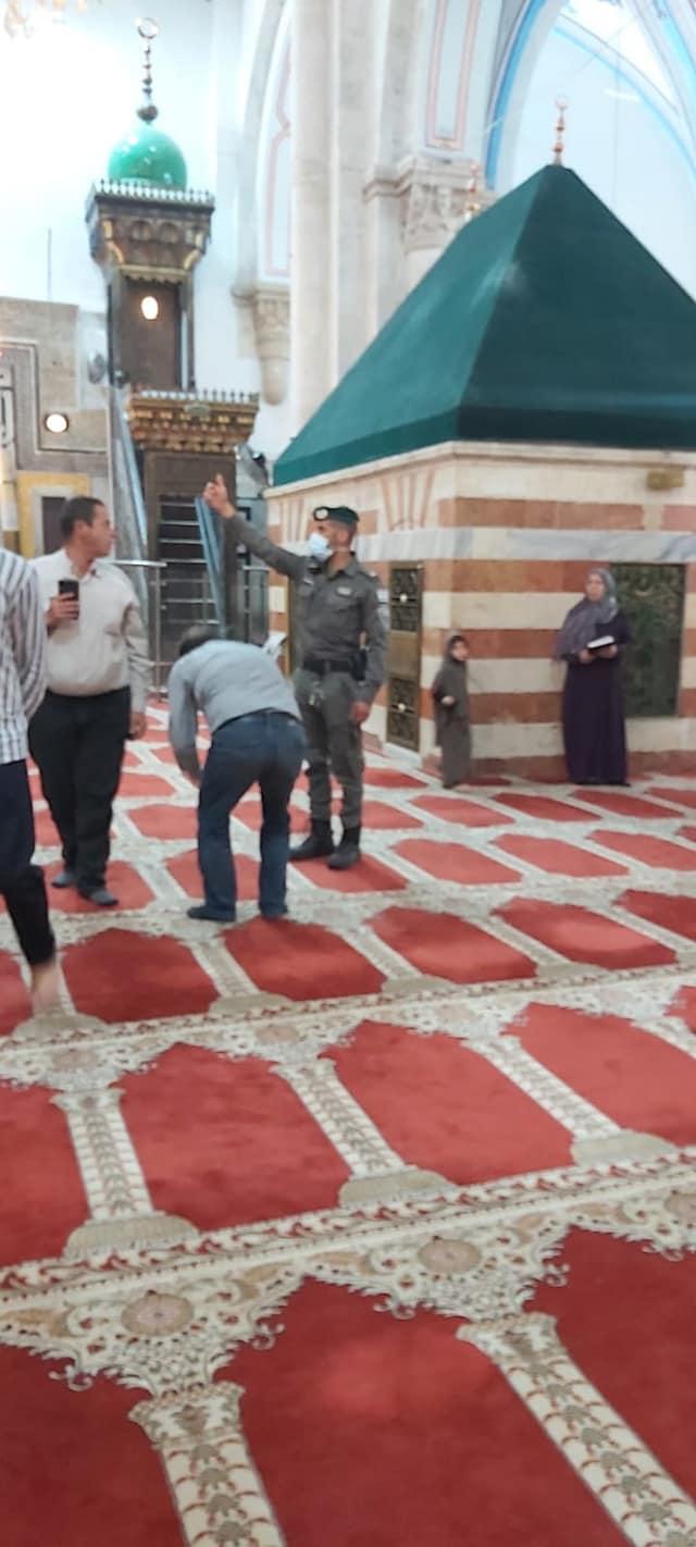 Serbuan Pasukan Israel Ke Mesjid Ibrahimi
