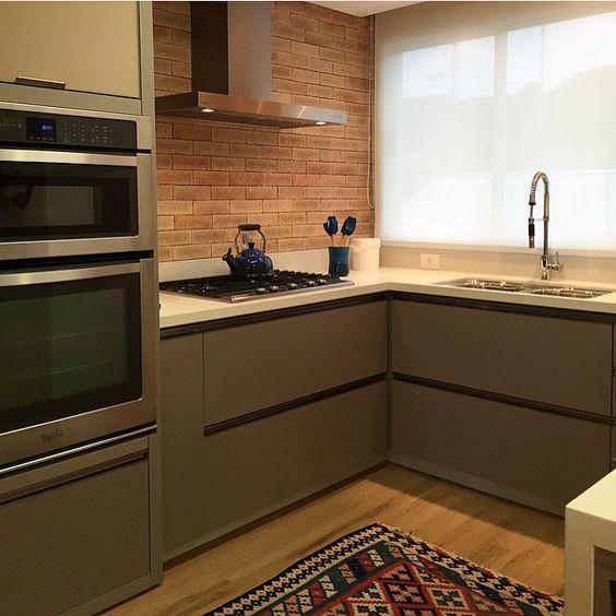 Construindo minha casa clean consultoria de decora o 3d - Armarios para sala de estar ...
