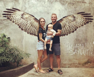 The Beautiful Family On Vacation Png