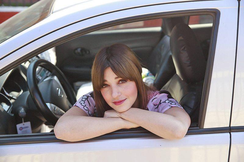 Lorena Miki no sabe manejar