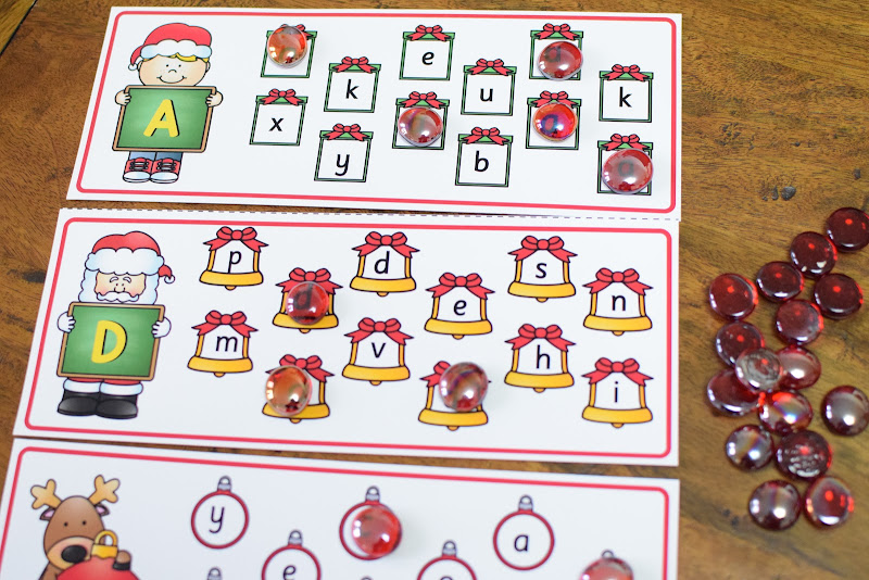 FREE CHRISTMAS THEMED UPPERCASE AND LOWERCASE LETTER MATCH from A to Z