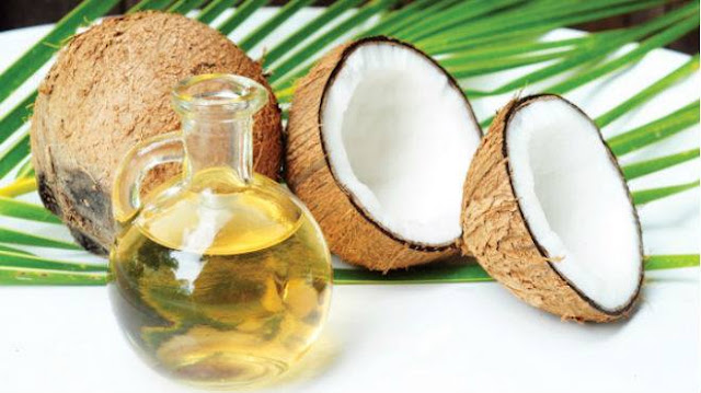 Cách làm da mặt trắng đẹp hơn với dầu dừa