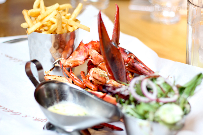 Burger & Lobster: Grilled lobster with lemon & garlic butter