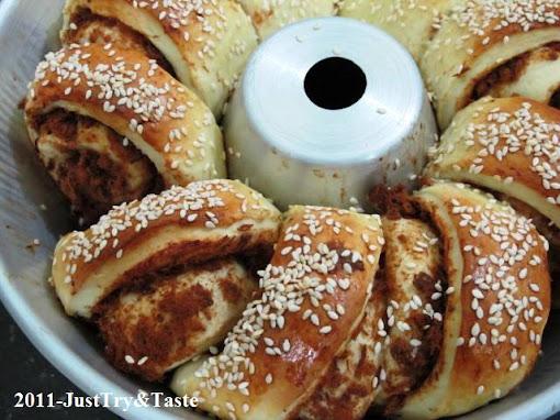 Obsesi Roti 14: Roti Isi Abon